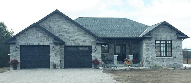 custom home in Kawartha Lakes